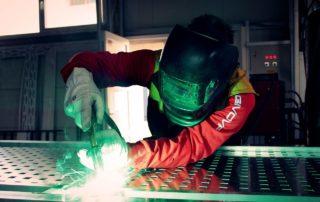 Verzinkung und Pulverbeschichtung von Stahl
